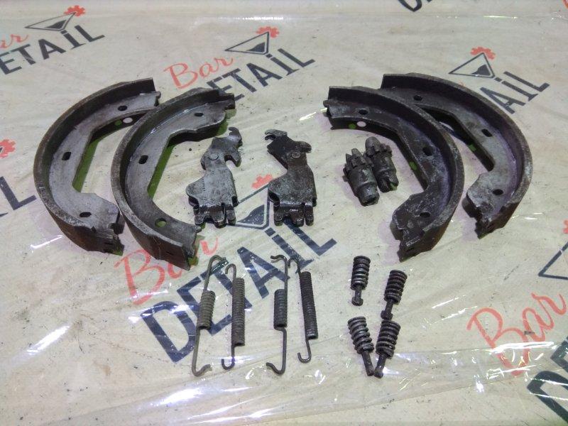 Колодки ручного тормоза Bmw 5 Серия E60 N62B44 2004 задние