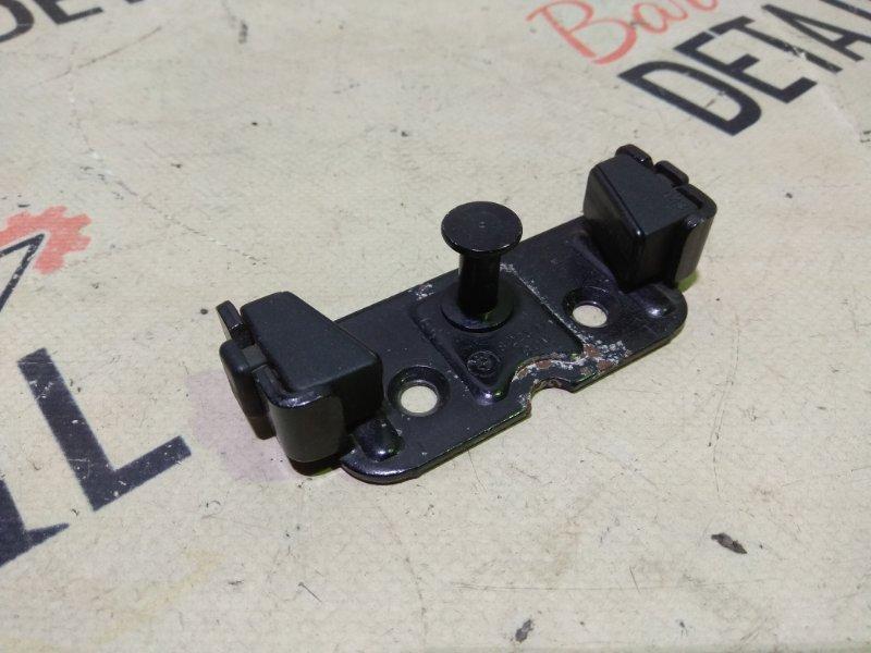 Ответная часть замка багажника Bmw 3 Серия E46 (4FL) M54B30 2002