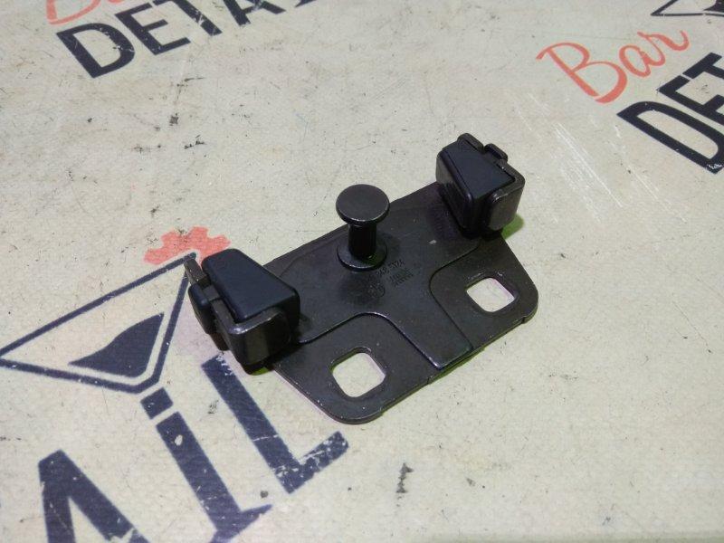 Ответная часть замка багажника Bmw 5 Серия E39 M54B25 2001 задняя нижняя