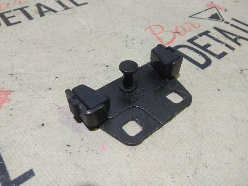 Ответная часть замка багажника Bmw 5 Серия E39 M54B30 2001 задняя нижняя