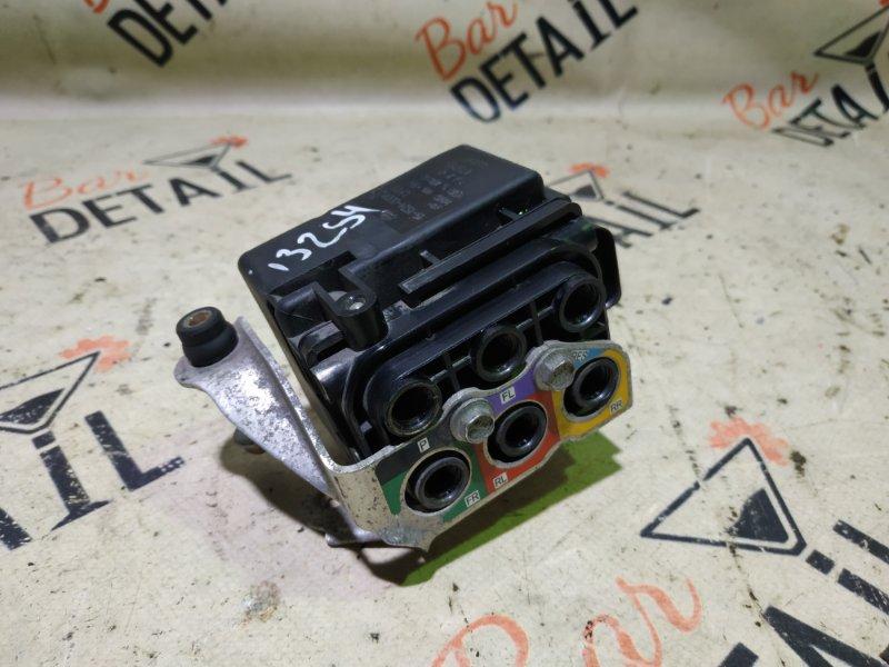 Блок клапанов Porsche Cayenne 957 M55.01 2009