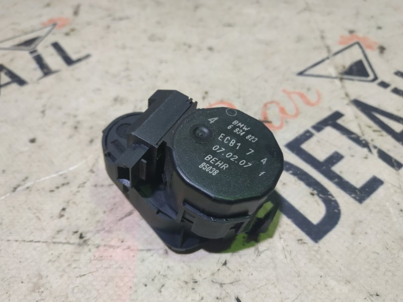 Сервопривод заслонки печки Bmw X3 E83 N52B30K 2007 правый
