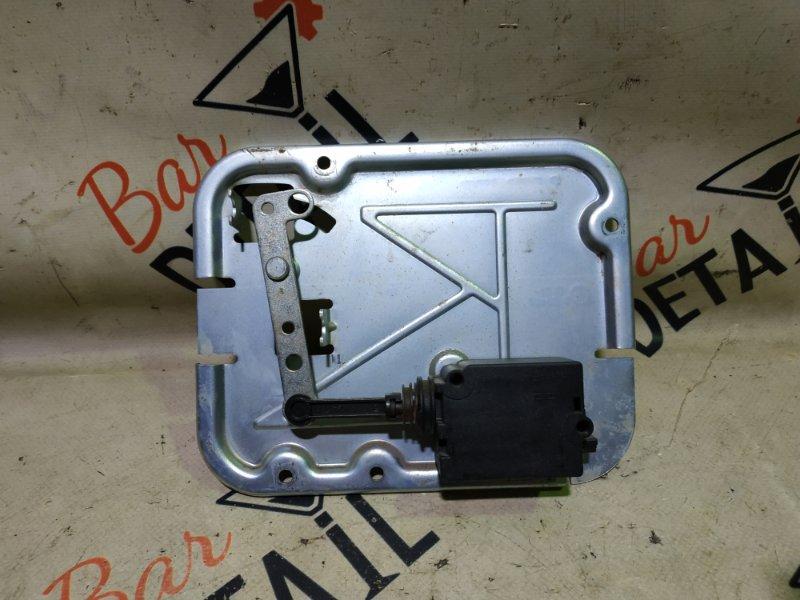 Активатор замка двери багажника Bmw X5 E53 M54B30 2002 задний нижний