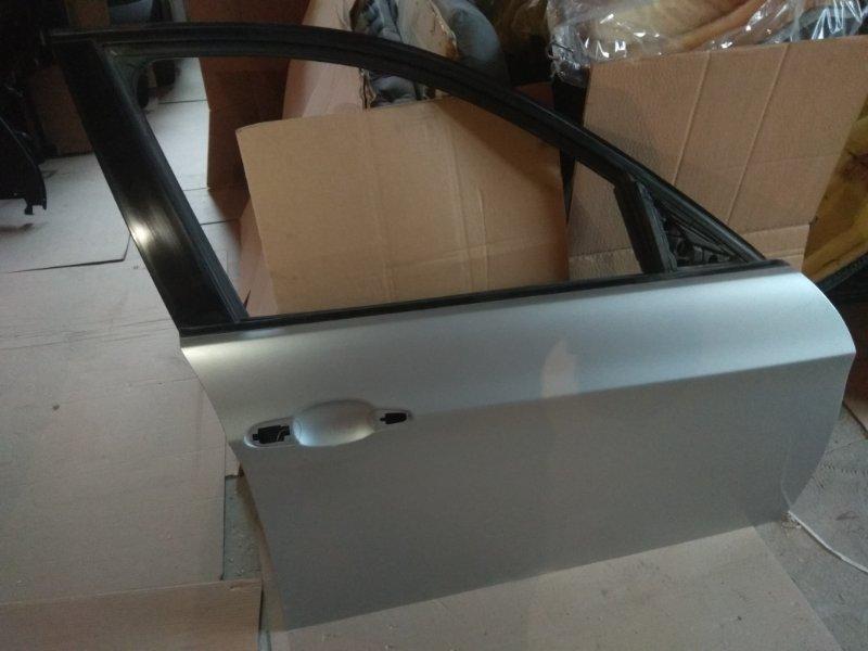 Дверь перед  Правая бел/сереб BMW e90 контр.