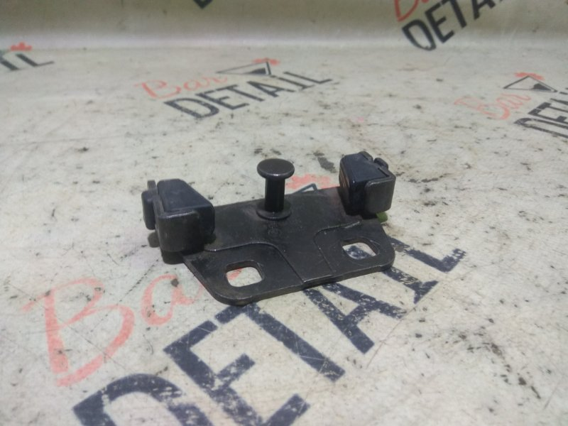 Ответная часть замка багажника Bmw 5 Серия E39 M54B30 2003 задняя нижняя