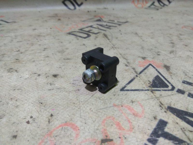 Клемма плюсового провода Bmw 5 Серия E39 M62B44 1998/09