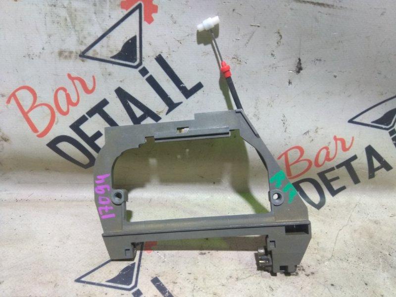 Держатель наружней ручки Bmw 5 Серия E39 M62B44 1998/09 задний правый