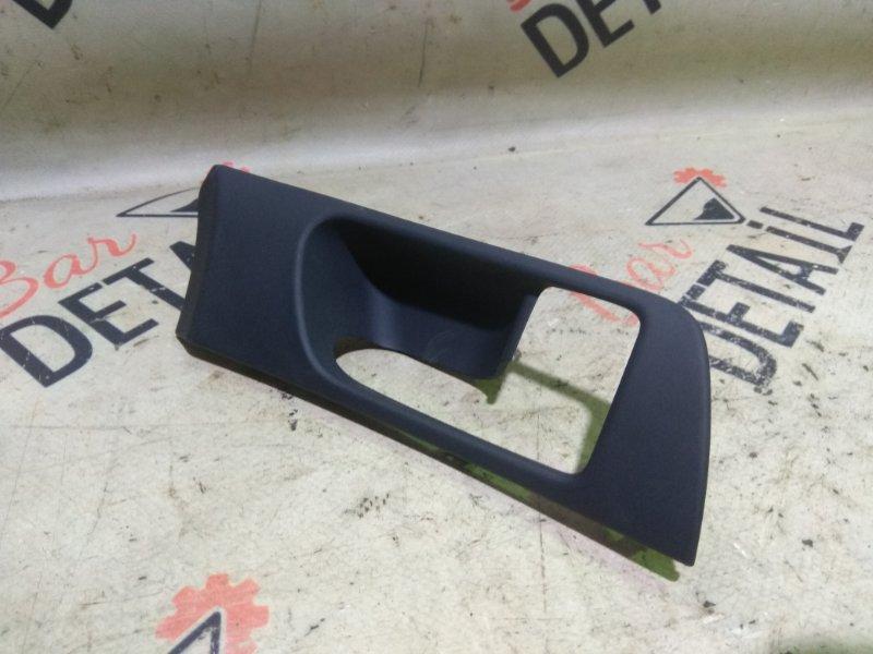 Накладка ручки двери Toyota Avensis AZT250 1AZFSE 2007 передняя правая