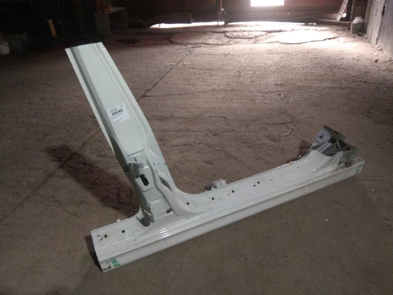 Стойка кузова средняя Bmw 5 Серия E39 M54B25 2001 правая