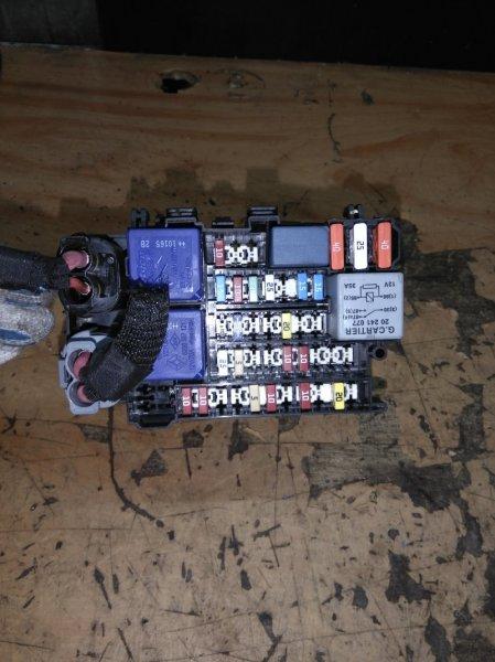 Блок предохранителей Renault Megane 3 BZ0 (B30R) K4M838 2010