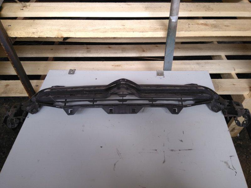 Решетка радиатора Citroen C4 EP6 2011