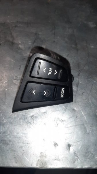 Кнопки на руль Hyundai I30 FD G4FA 2008