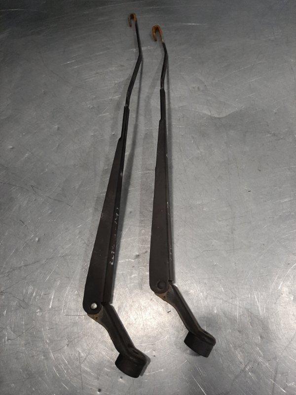 Тяга/рычаг (поводок) щетки стеклоочистителя Suzuki Swift 3 ZC11S M13A 2009 передний