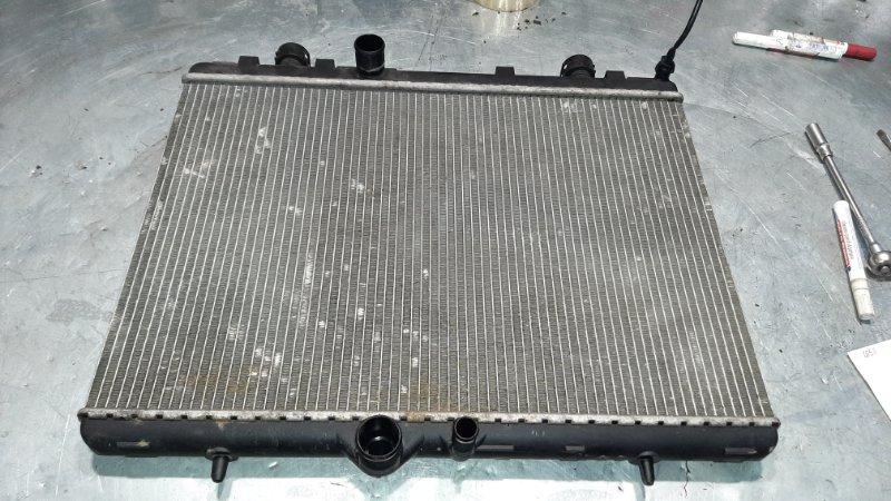 Радиатор охлаждения Peugeot 407 6D EW10J4 2004