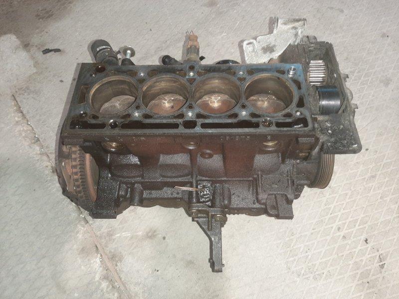 Блок двигателя Renault Megane 2 BM K4M812 2006