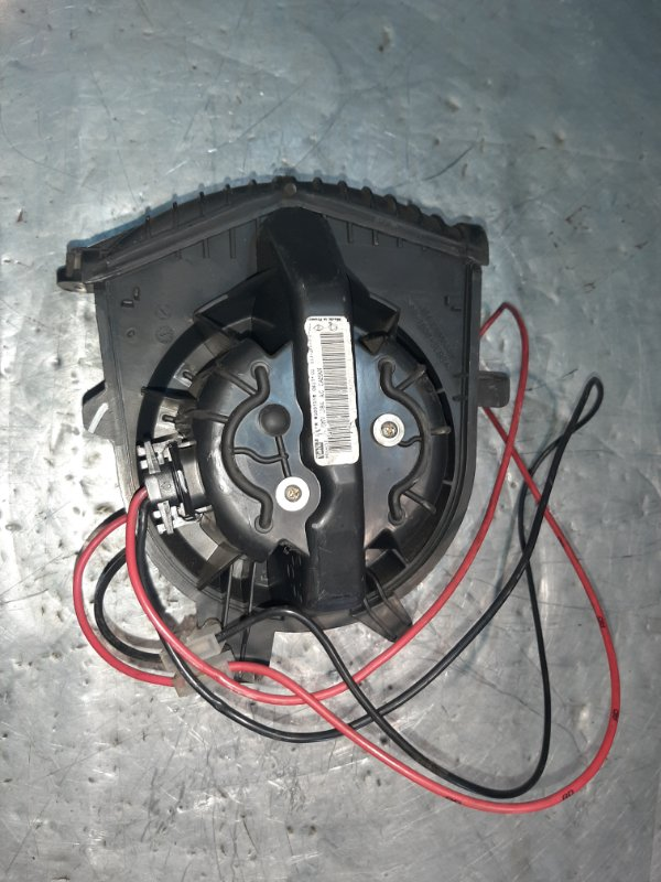 Вентилятор (мотор) печки Renault Scenic 2 JM0 F9Q812 2003