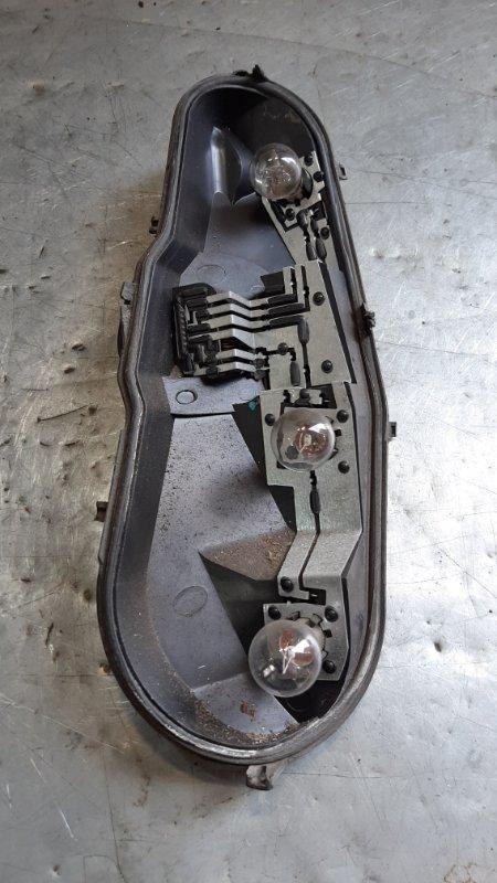 Плата заднего фонаря Peugeot 107 1KRFE 2005 задняя правая