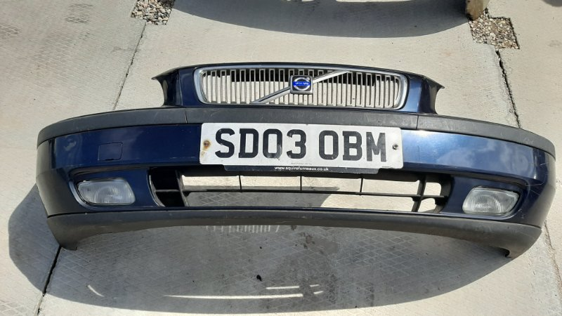 Бампер. Volvo V70 SW49 2000 передний