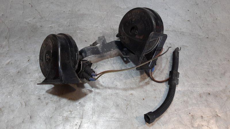 Звуковой сигнал (гудок)/ клаксон Audi A3 8L1 APG 2002
