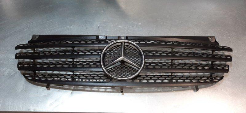 Решетка радиатора Mercedes-Benz Vito W639 M112E32 2003