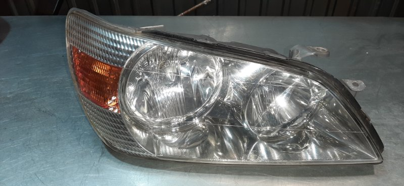 Фара Lexus Is200 GXE10 1GFE 1999 передняя правая