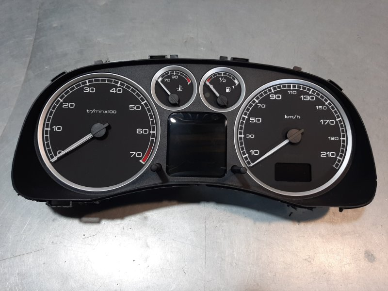 Панель приборов Peugeot 307 3A/C RFN (EW10J4) 2004
