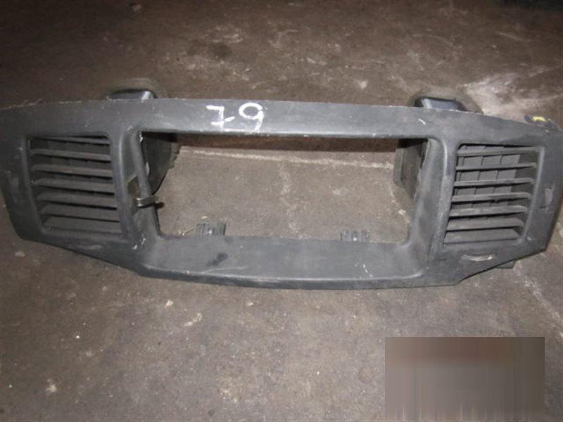 Консоль магнитофона Toyota Corolla NZE124 1NZ-FE 79