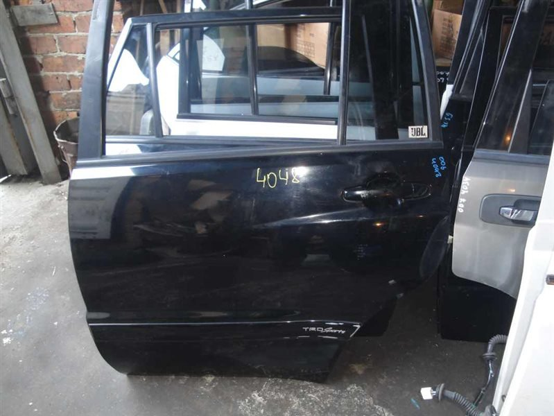 Дверь Toyota Kluger V MCU25W 1MZ-FE 2001 задняя левая