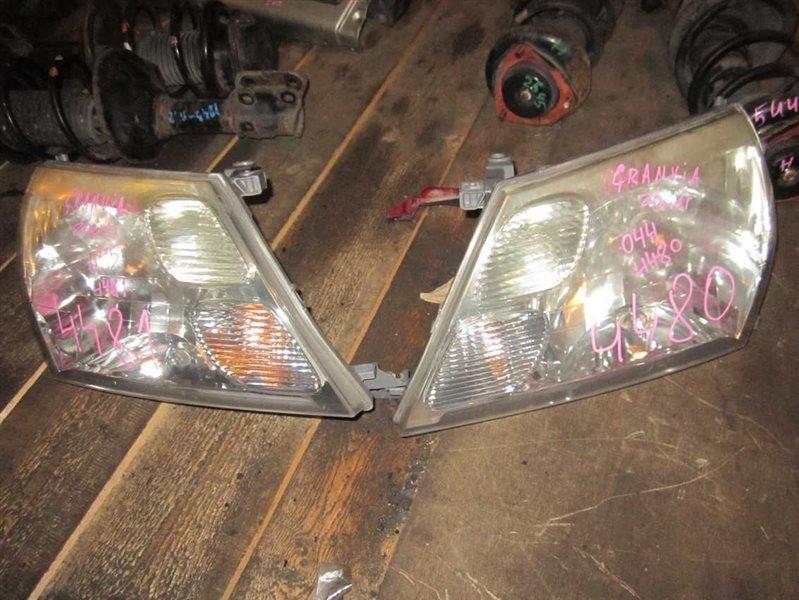 Фара Toyota Grand Hiace VCH16W 5VZ-FE 2001 передняя правая № оптики 28-96