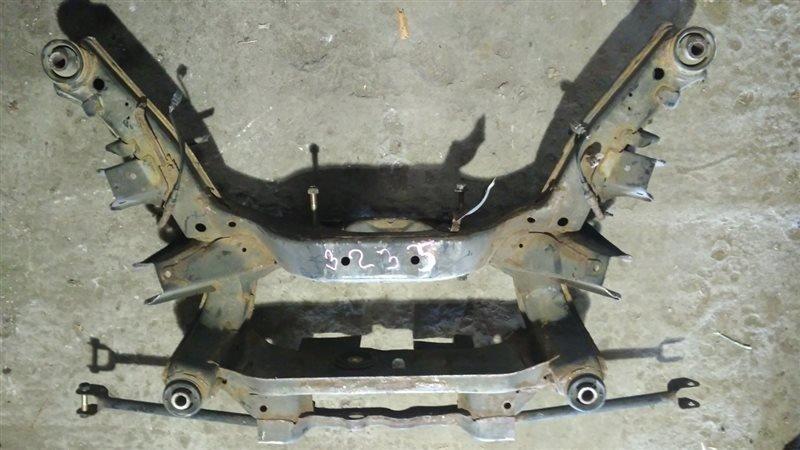 Балка подвески Nissan Bassara JNU30 KA24DE задняя