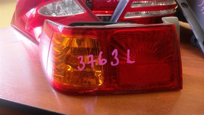 Стоп Toyota Camry Gracia SXV20 5S-FE 2001 задний левый № оптики 33-49