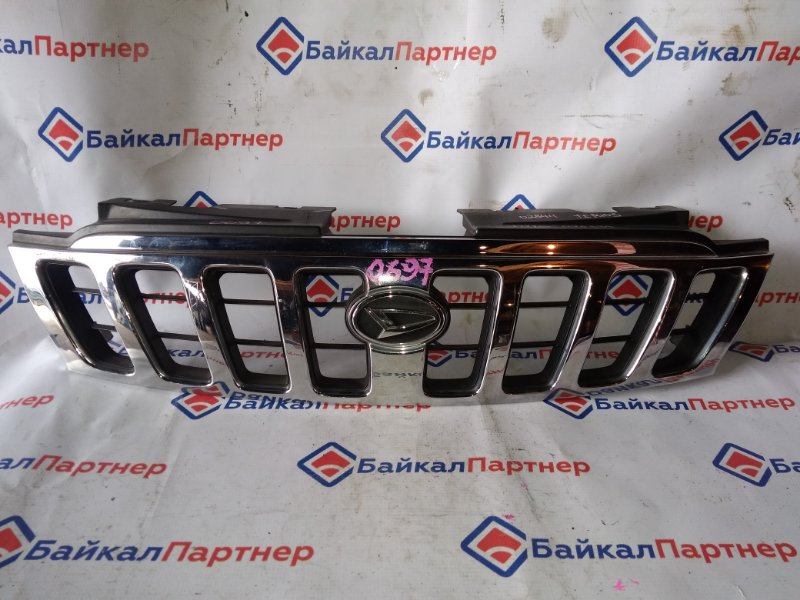 Решетка радиатора Daihatsu Terios Kid J111G EF-DEM 2001 0697