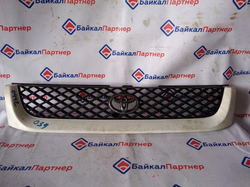 Решетка радиатора Toyota Hiace Regius RCH47W 3RZ-FE 1996 0442