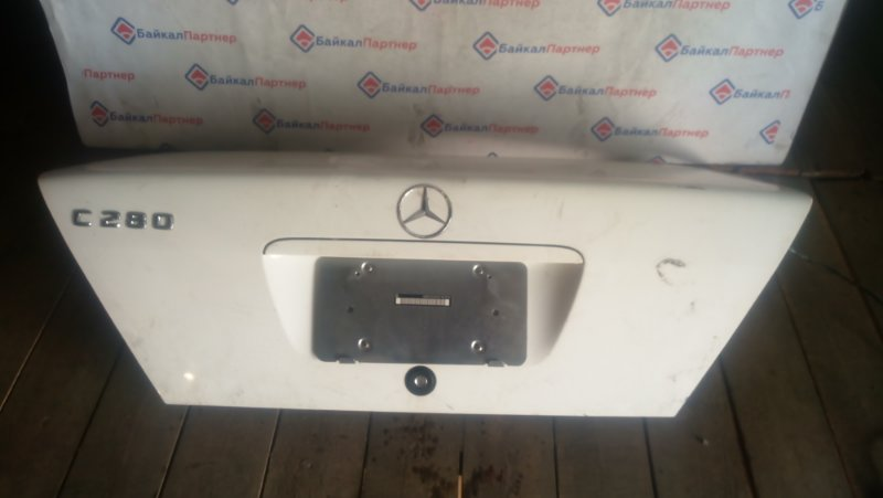 Крышка багажника Mercedes-Benz C-Class W202 104.941 M 2000 задняя