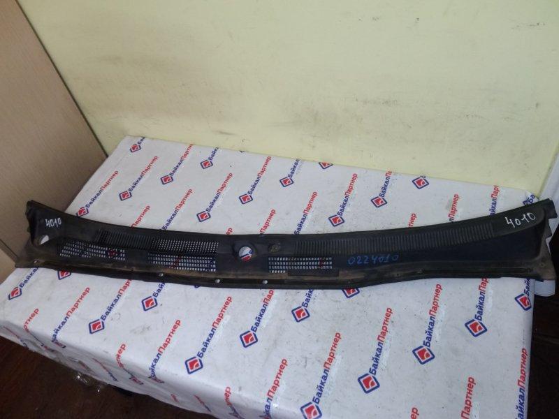 Решетка под лобовое стекло Nissan Avenir PW11 SR20DE 2000 4010