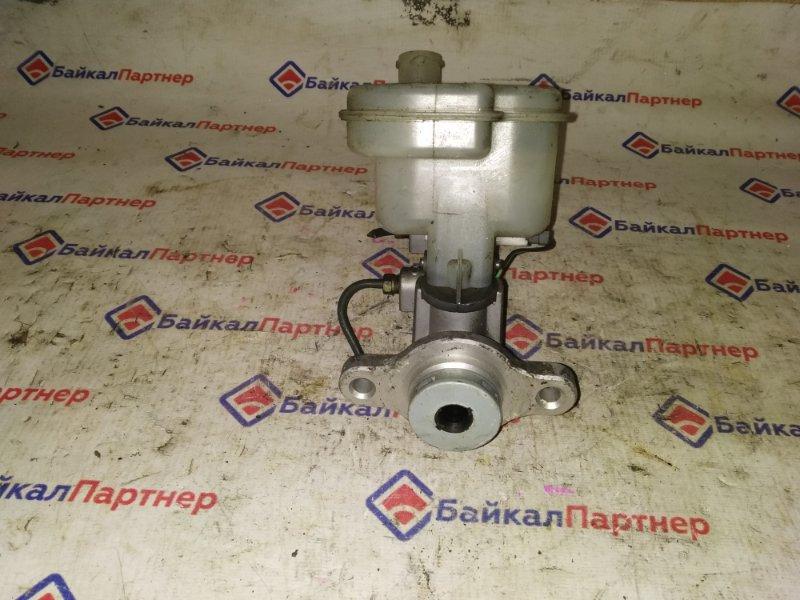 Главный тормозной цилиндр Nissan Bassara JNU30 KA24DE 4536