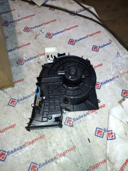 Мотор печки Nissan Tino V10 QG18DE 2000