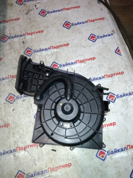 Мотор печки Nissan Tino V10 QG18DE