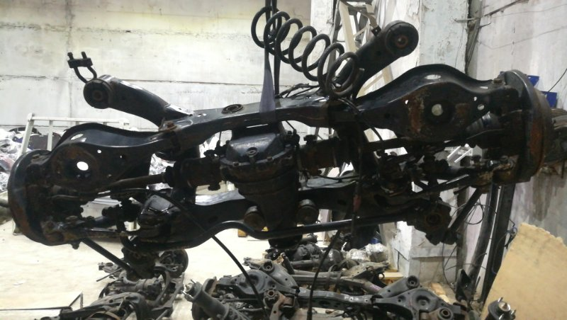 Балка подвески Nissan Elgrand NE51 VQ35DE 05.2006 задняя