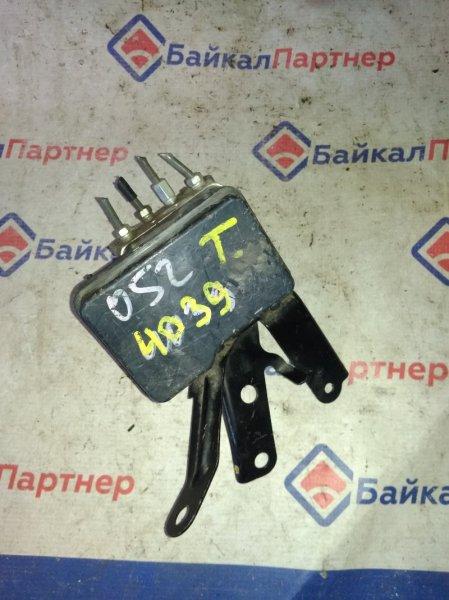 Блок abs Toyota Belta KSP92 1KR-FE 2005 4039