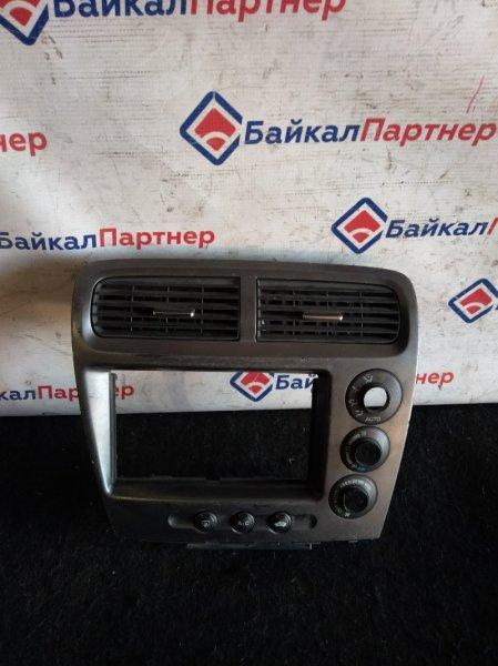 Консоль магнитофона Honda Civic EU1 D15B 2001 604