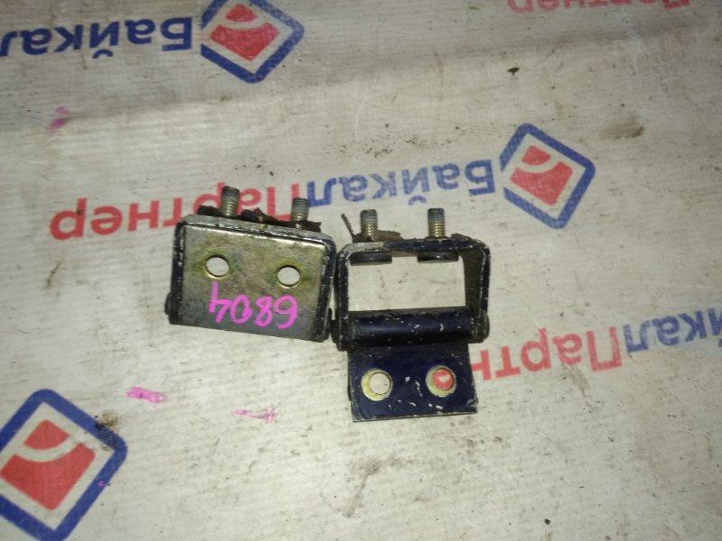 Петля 5-ой двери Mazda Mpv LVLR 1996 6804
