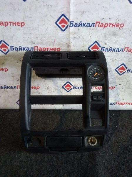 Консоль магнитофона Toyota Land Cruiser Prado KZJ95W 1KZ-TE 1995 3833