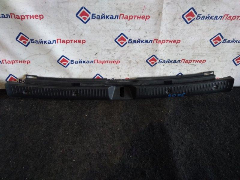 Накладка в багажник Toyota Corolla Fielder ZZE122G 1ZZ-FE 2000 3096