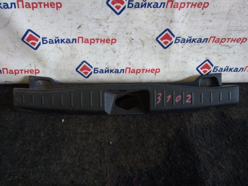 Накладка в багажник Toyota Passo KGC10 1KR-FE 2004 3102
