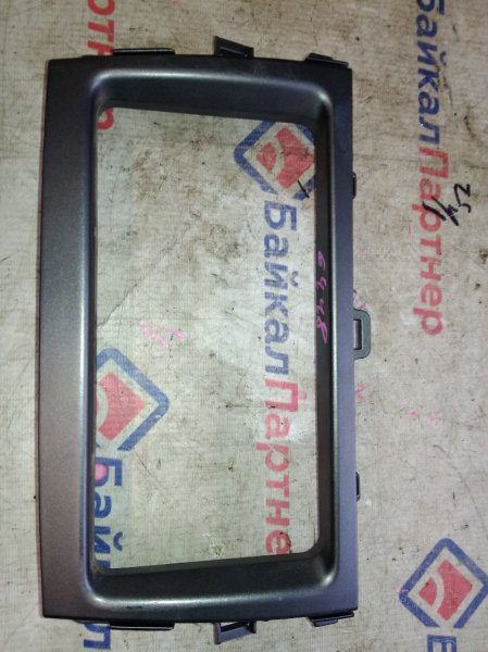 Консоль магнитофона Toyota Corolla Fielder NZE141G 1NZ-FE 2008 6448