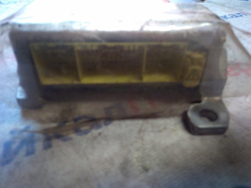 Блок управления airbag Toyota Corolla Fielder ZZE122G 1ZZ-FE 2000 6812