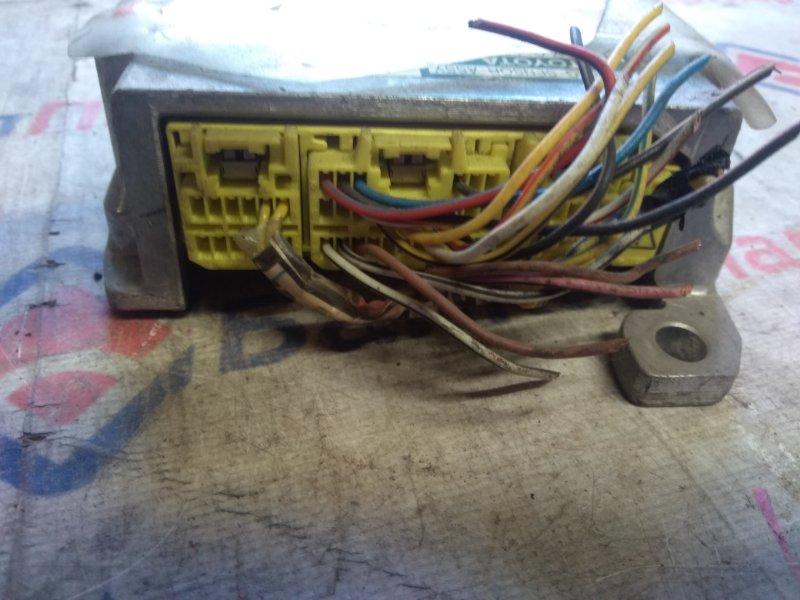 Блок управления airbag Toyota Rav4 ACA20W 1AZ-FSE 2002 6824