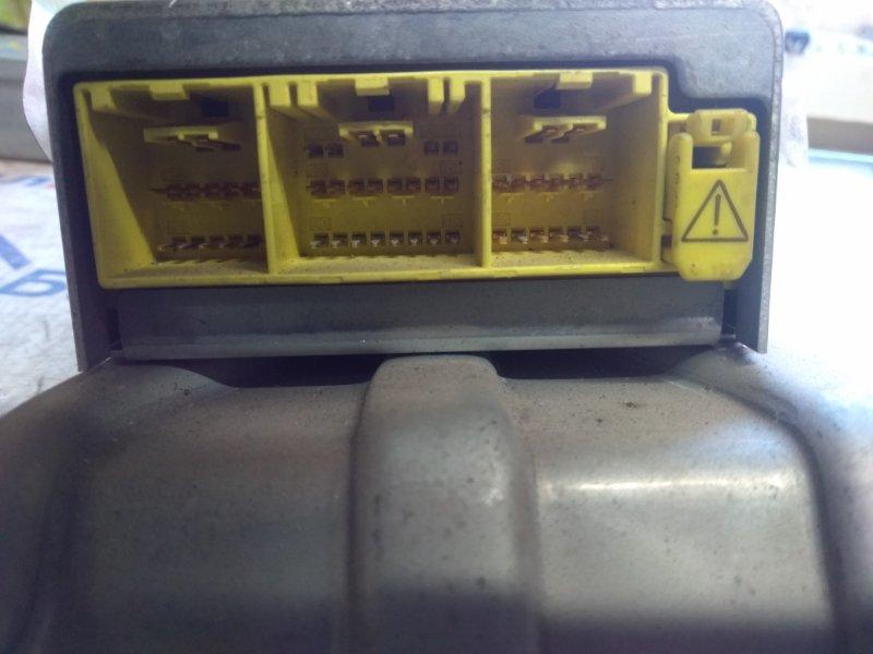 Блок управления airbag Toyota Nadia ACN10H 1AZ-FSE 4020
