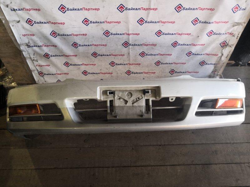 Бампер Nissan Laurel HC35 передний